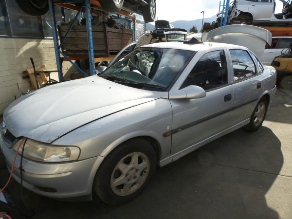 2000 JS Vectra